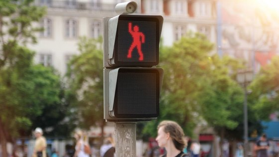 dancing_traffic_light_3.jpg